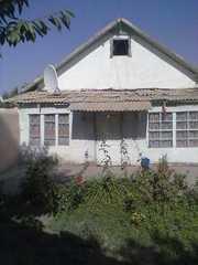 Продам дом в Исфаре. ул Маркази 53